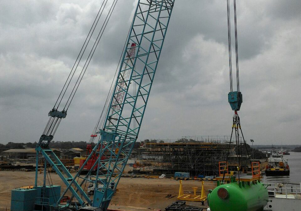 Separator Vessel Lift at MCY 2016